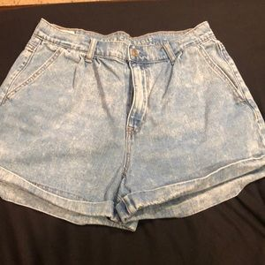 American Eagle Outfitters Shorts - Shorts